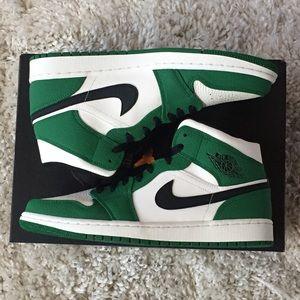 Nike Air Jordan 1 Mid SE Pine Celtics 852542-301